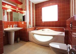 Плитка — самый практичный материал для ванной комнаты