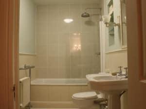 После проведения ремонта ванной комнаты панельного дома