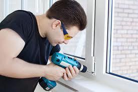 Идеальным вариантов для утепления балкона будет установка пластиковых окон