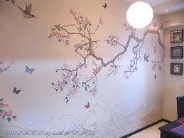 С помощью росписи стен можно сильно преобразить весь дизайн квартиры