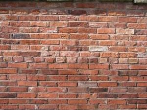 Готовим стену к ее штукатурке