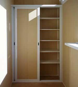 Как сделать шкаф на балконе